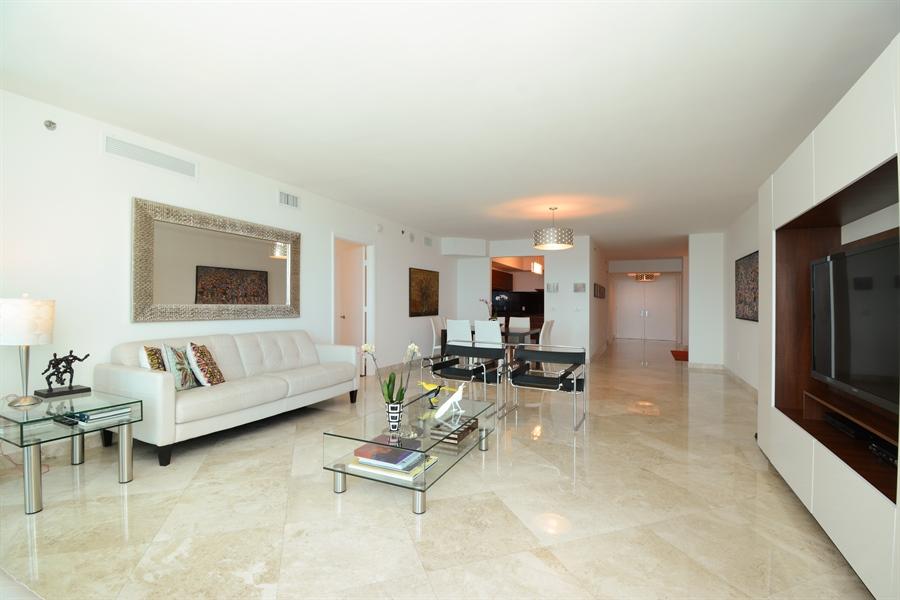 Real Estate Photography - 101 S. FORT LAUDERDALE BEACH BLVD, 2202, FORT LAUDERDALE, FL, 33316 - Kitchen / Living Room