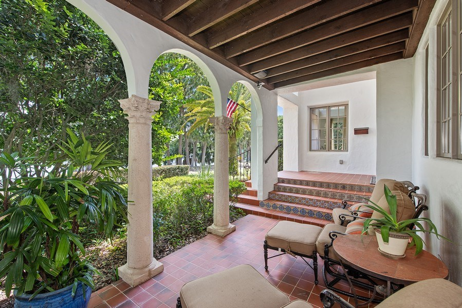 Real Estate Photography - 900 S. Lake Adair Blvd., ORLANDO, FL, 32804 - Front Porch and Entry Way
