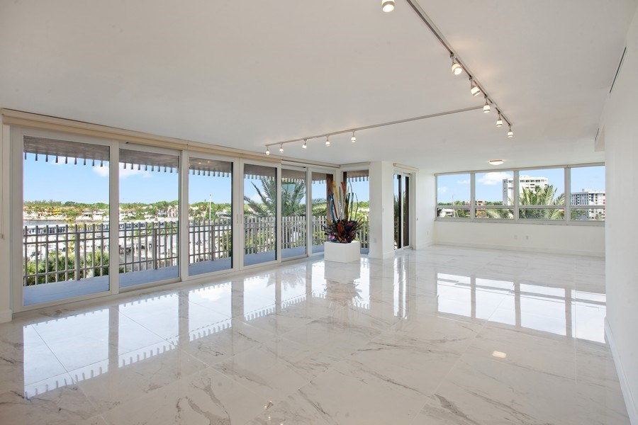 Real Estate Photography - 2 Grove Isle Dr, Unit B410, Coconut Grove, FL, 33133 - Living Room / Dining Room