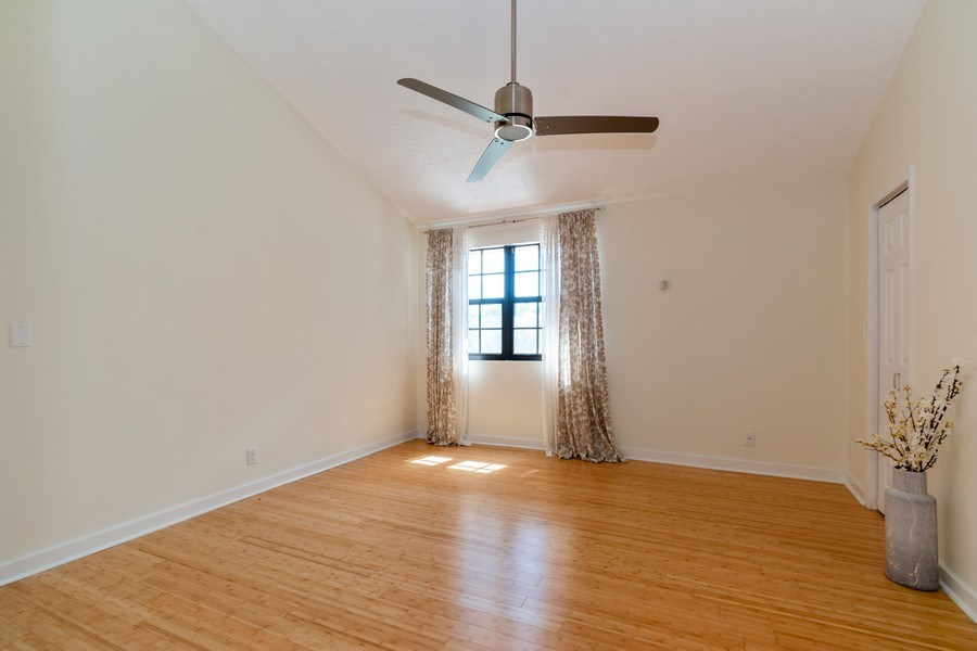 Real Estate Photography - 810 SE 2nd street, #A, Ft Lauderdale, FL, 33301 - Master Bedroom