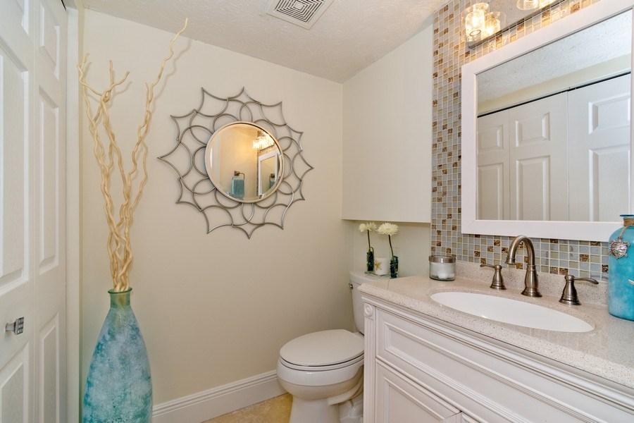 Real Estate Photography - 810 SE 2nd street, #A, Ft Lauderdale, FL, 33301 - Half Bath