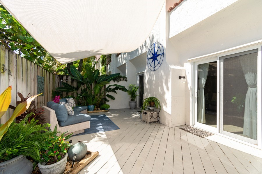 Real Estate Photography - 810 SE 2nd street, #A, Ft Lauderdale, FL, 33301 - Patio