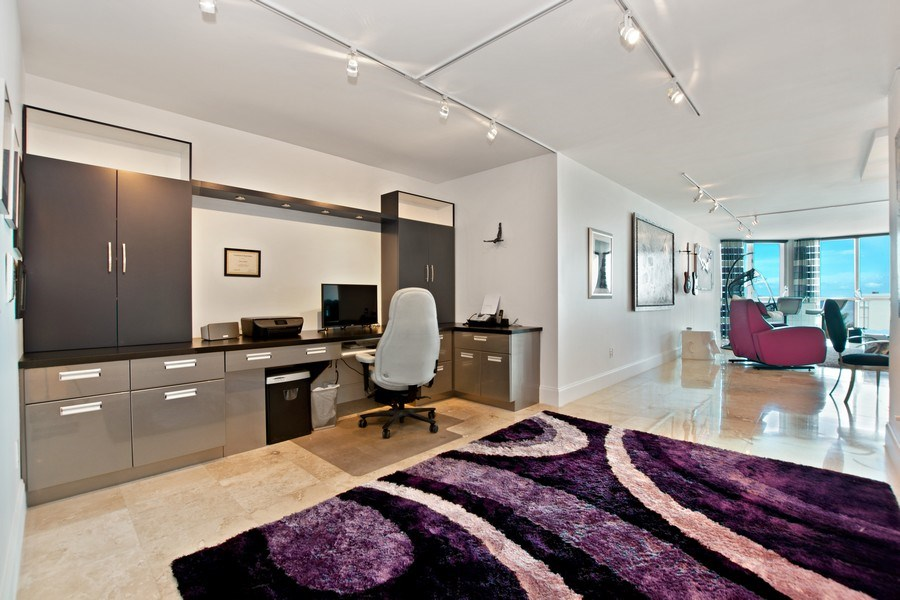 Real Estate Photography - 101. S FORT LAUDERDALE BEACH BLVD #1002, APT 1002, FORT LAUDERDALE, FL, 33065 - Den
