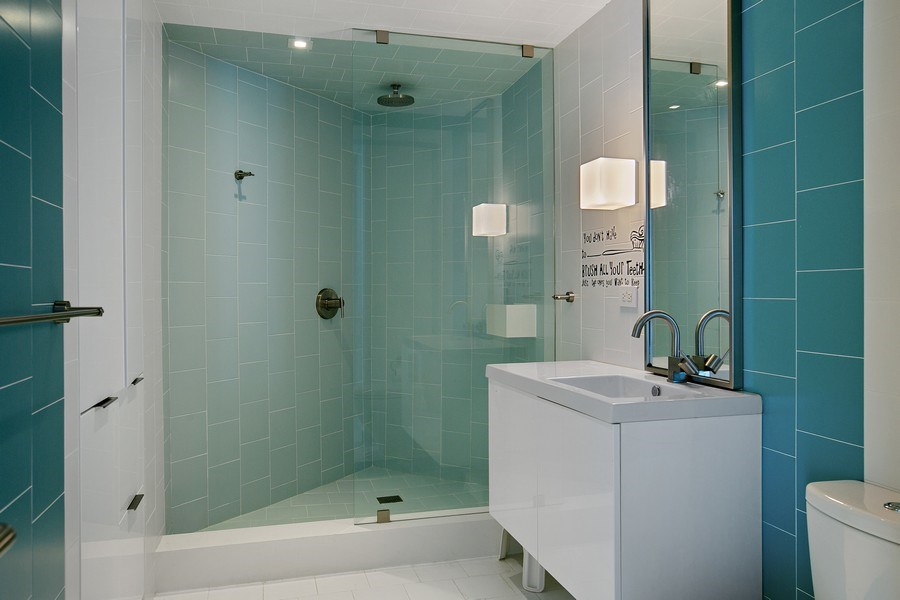 Real Estate Photography - 4775 Collins Ave, 2102, Miami Beach, FL, 33140 - 2nd Bathroom