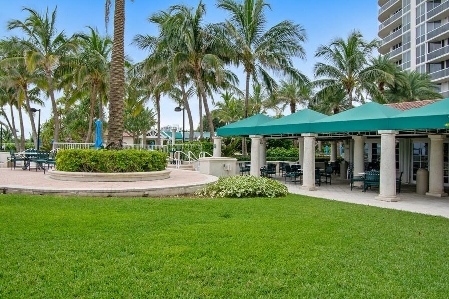 Real Estate Photography - 3100 N Ocean Blvd, Unit 510, Fort Lauderdale, FL, 33308 - Restaurant