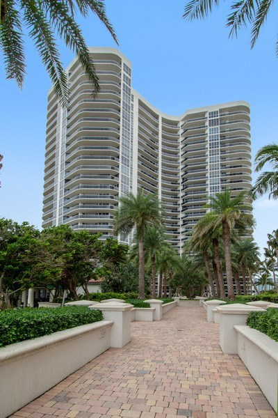 Real Estate Photography - 3100 N Ocean Blvd, Unit 510, Fort Lauderdale, FL, 33308 - Tower One
