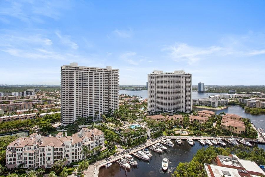 Real Estate Photography - 4100 Island Blvd. #2001, Aventura, FL, 33160 - City View