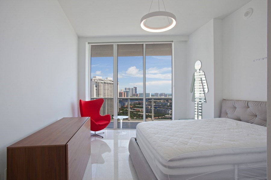 Real Estate Photography - 4100 Island Blvd. #2001, Aventura, FL, 33160 - 2nd Bedroom