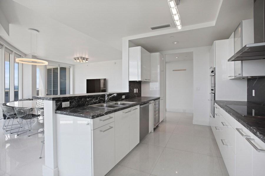 Real Estate Photography - 4100 Island Blvd. #2001, Aventura, FL, 33160 - Kitchen