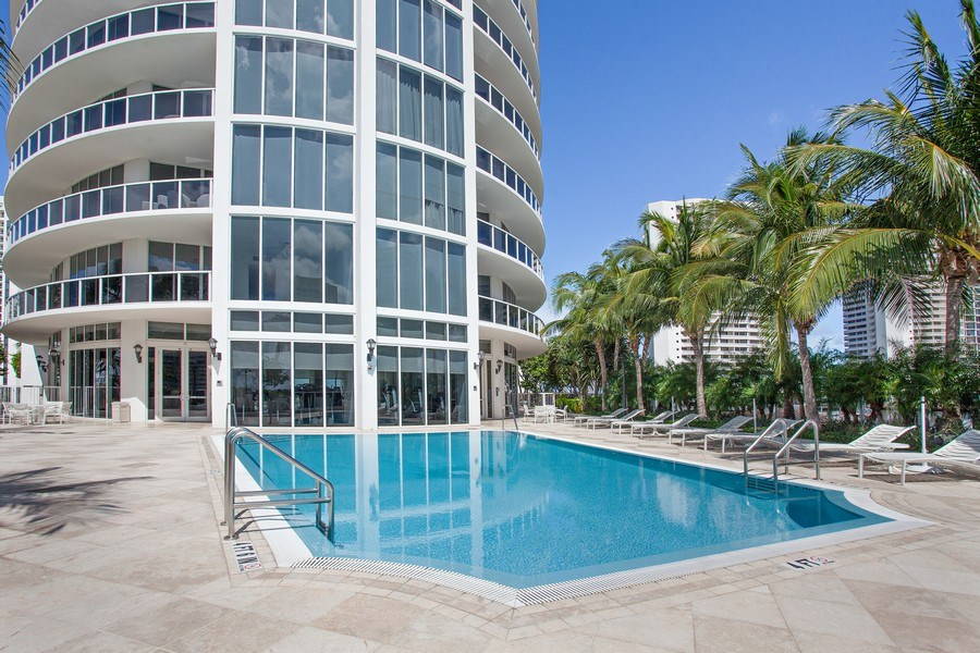 Real Estate Photography - 4100 Island Blvd. #2001, Aventura, FL, 33160 - Pool