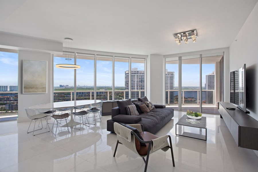 Real Estate Photography - 4100 Island Blvd. #2001, Aventura, FL, 33160 -