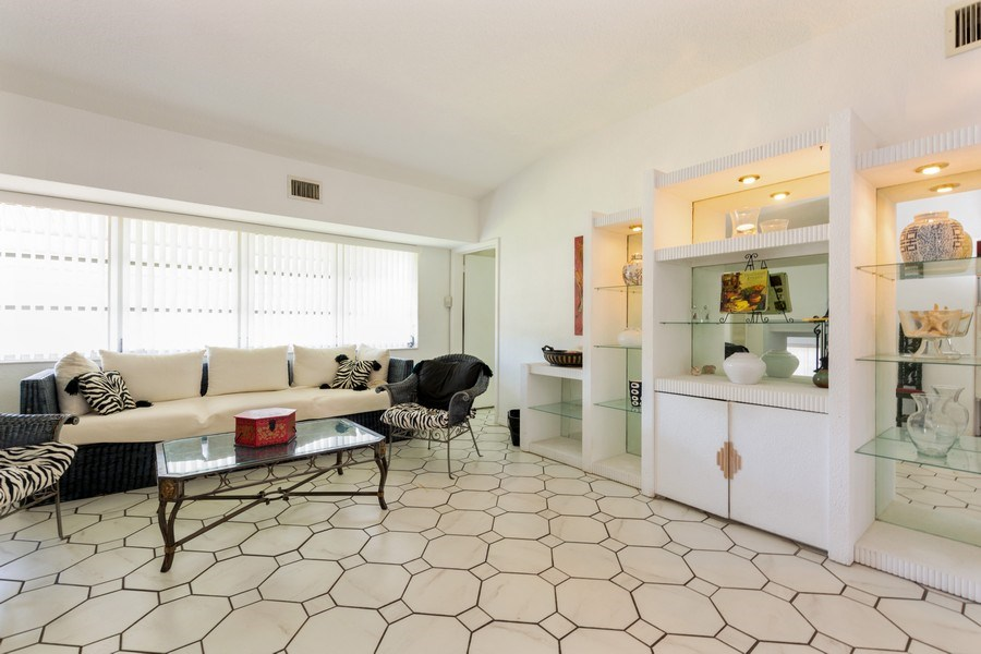 Real Estate Photography - 1505 NE 5th Ave, Boca Raton, FL, 33432 - Living Room