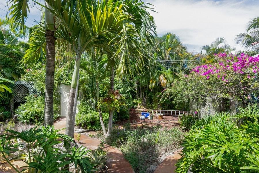 Real Estate Photography - 1505 NE 5th Ave, Boca Raton, FL, 33432 - Backyard Garden