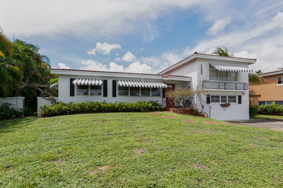Real Estate Photography - 1505 NE 5th Ave, Boca Raton, FL, 33432 - Front View