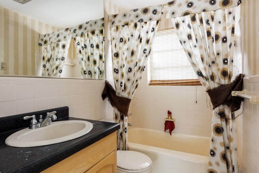 Real Estate Photography - 1505 NE 5th Ave, Boca Raton, FL, 33432 - 2nd  Bath