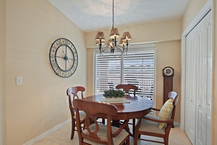 Real Estate Photography - 3860 Sawgrass Way, 2625, Naples, FL, 34112 - Dining Area 2