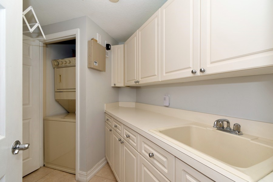 Real Estate Photography - 6051 N Ocean Drive, Unit 603, Hollywood, FL, 33019 - Laundry Room