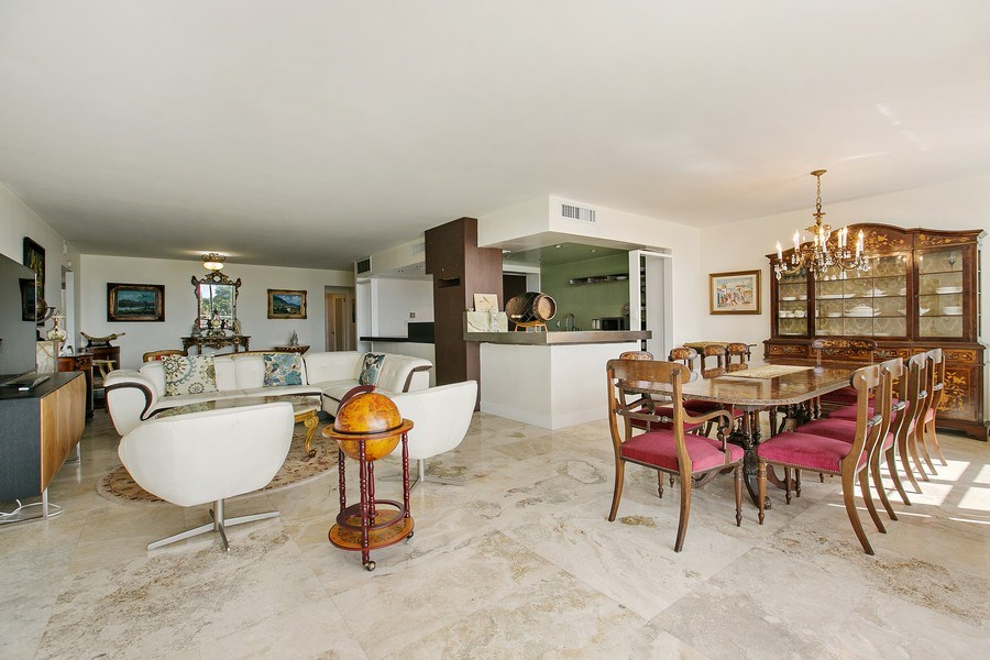 Real Estate Photography - 5700 Collins Ave, Unit 5L, Miami Beach, FL, 33140 - Great room