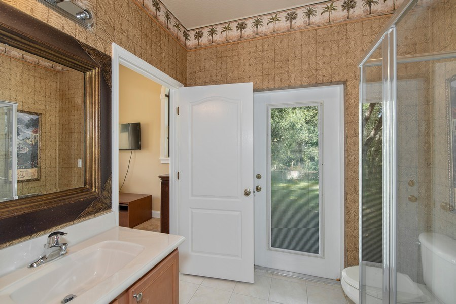 Real Estate Photography - 779 Mills Estate Pl, Chuluota, FL, 32766 - 3rd Bathroom