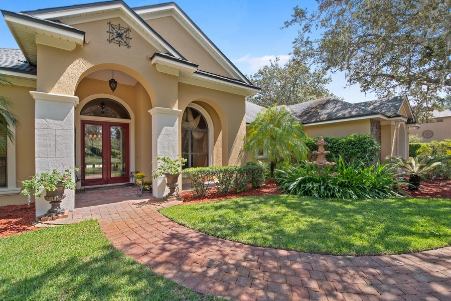 Real Estate Photography - 779 Mills Estate Pl, Chuluota, FL, 32766 - Front View