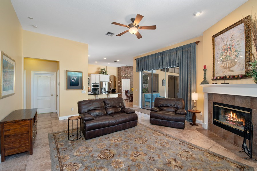Real Estate Photography - 779 Mills Estate Pl, Chuluota, FL, 32766 - Family Room / Kitchen