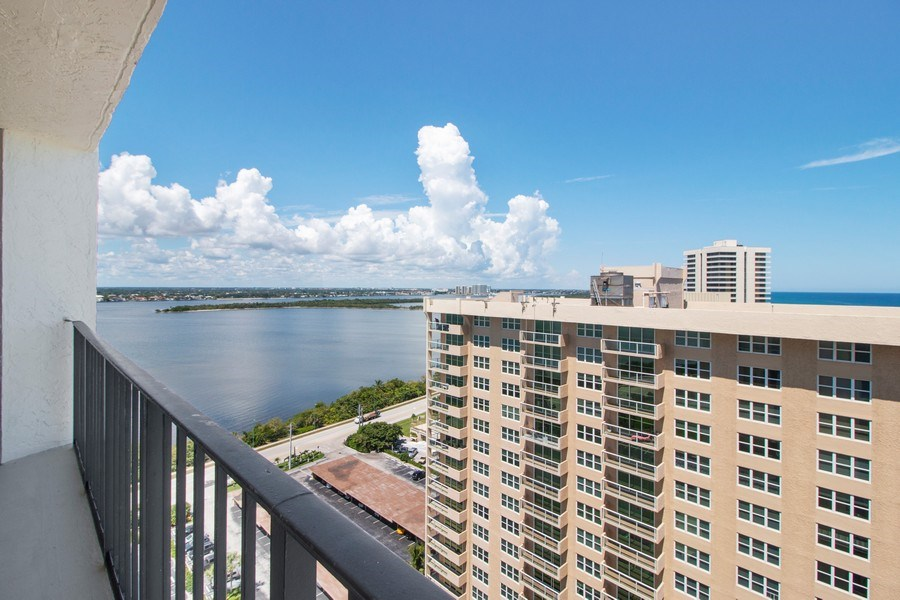 Real Estate Photography - 5420 N Ocean Dr., 2003, Singer Island, FL, 33404 - Intracoastal View
