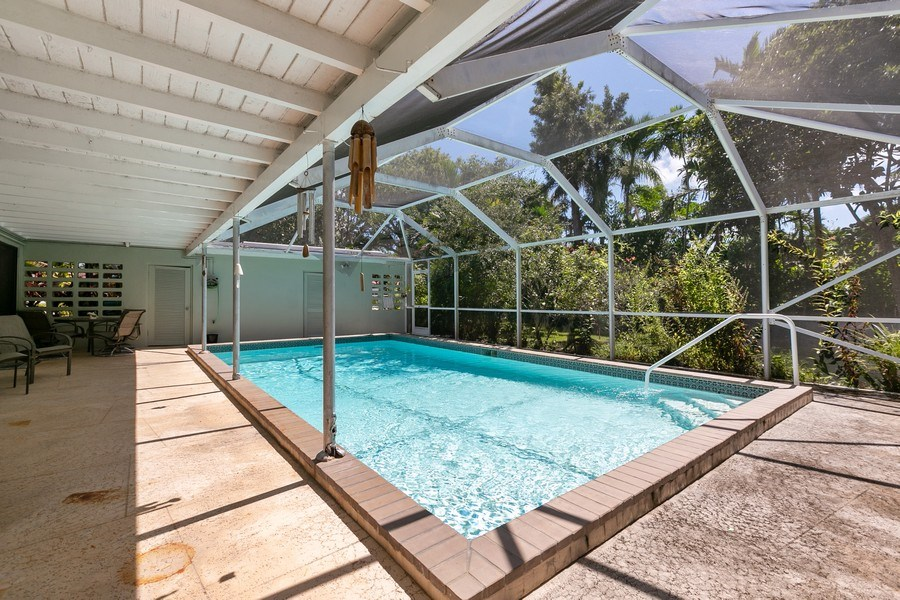 Real Estate Photography - 13800 SW 78th Pl, Miami, FL, 33158 - Pool