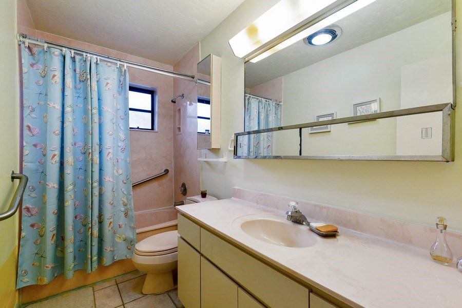 Real Estate Photography - 13800 SW 78th Pl, Miami, FL, 33158 - Bathroom