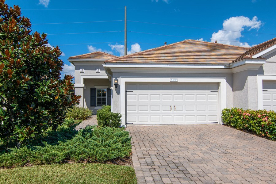 Real Estate Photography - 5340 Fairfield Blvd, Bradenton, FL, 34203 - Front View