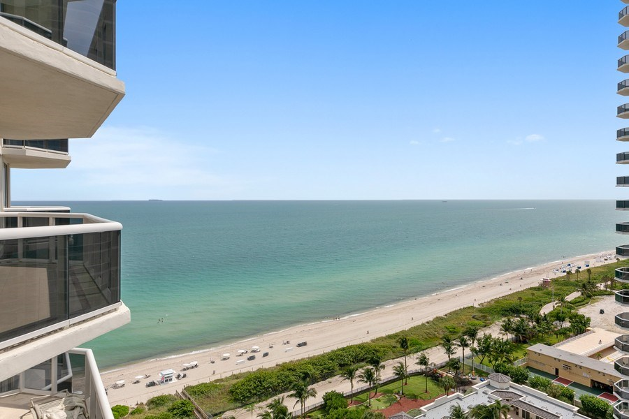 Real Estate Photography - 4779 Collins Ave, Apt 1904, Miami Beach, FL, 33140 - Ocean View