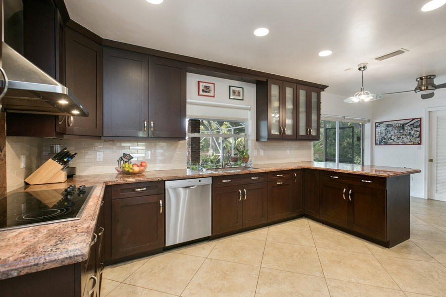 Real Estate Photography - 17420 SW 86th Ave, Palmetto Bay, FL, 33157 - Kitchen