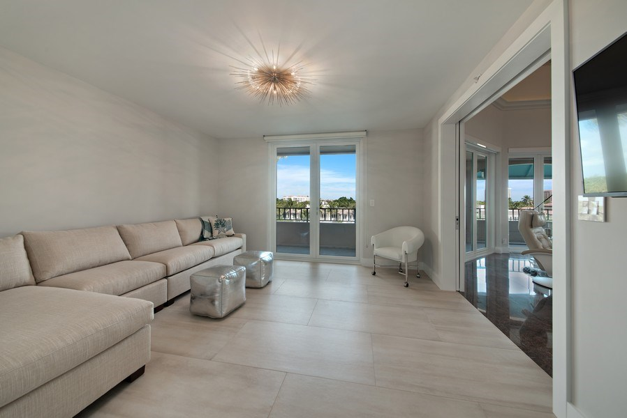 Real Estate Photography - 100 SE 5th Ave, Ph 1, Boca Raton, FL, 33432 - 2nd Bedroom