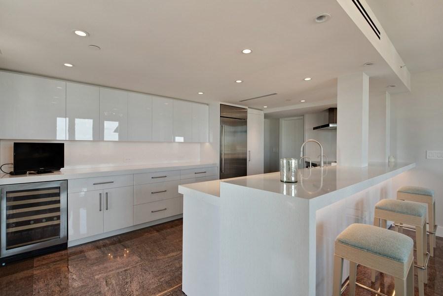 Real Estate Photography - 100 SE 5th Ave, Ph 1, Boca Raton, FL, 33432 - Kitchen