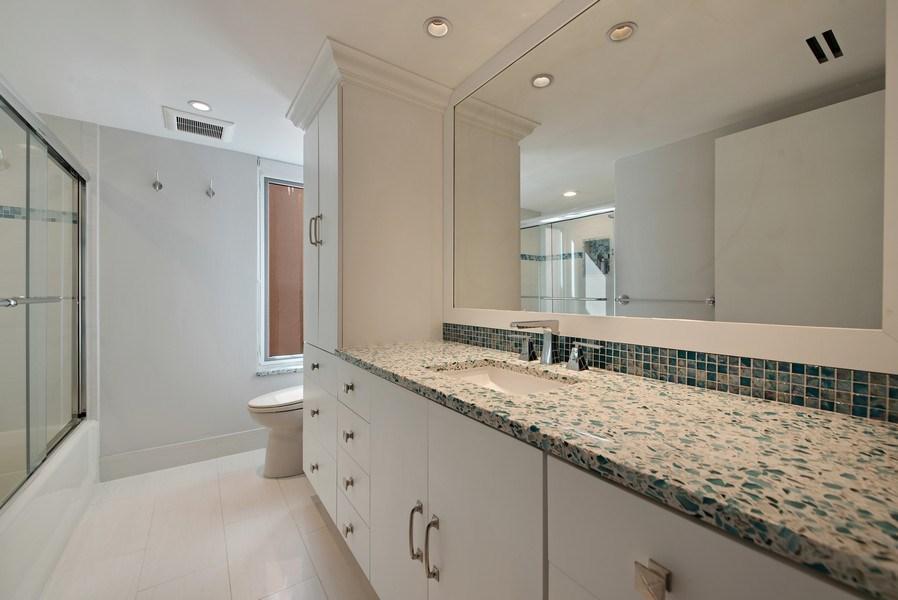 Real Estate Photography - 100 SE 5th Ave, Ph 1, Boca Raton, FL, 33432 - Bathroom