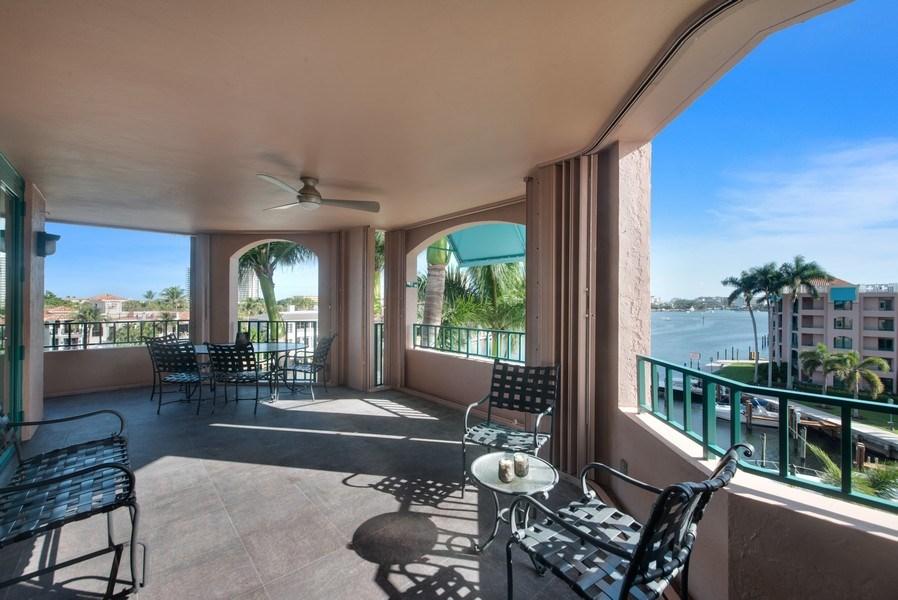 Real Estate Photography - 100 SE 5th Ave, Ph 1, Boca Raton, FL, 33432 - Patio