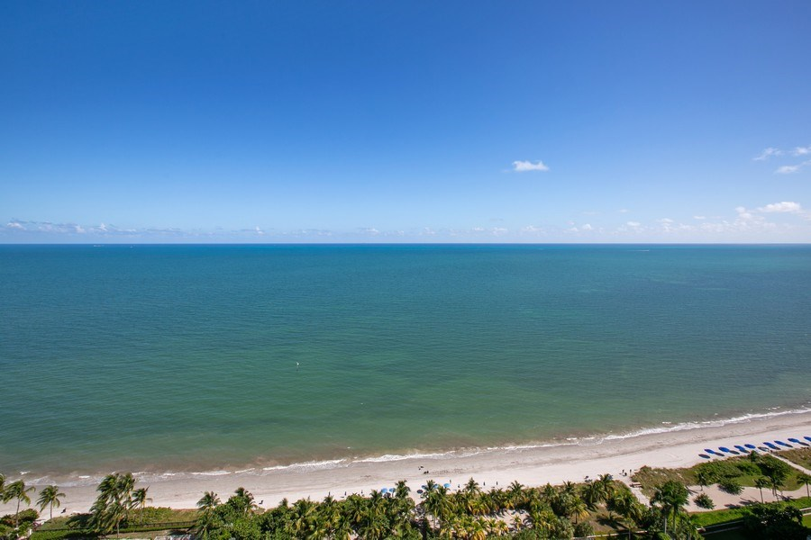 Real Estate Photography - 881 Ocean Dr, Penthouse 27E, Key Biscayne, FL, 33149 - OCEAN AND BEACH VIEW FROM PH27E