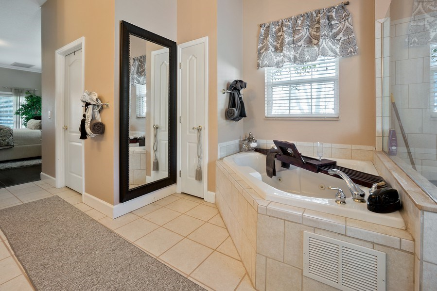 Real Estate Photography - 10445 Canary Isle Dr, Tampa, FL, 33647 - Master Bathroom