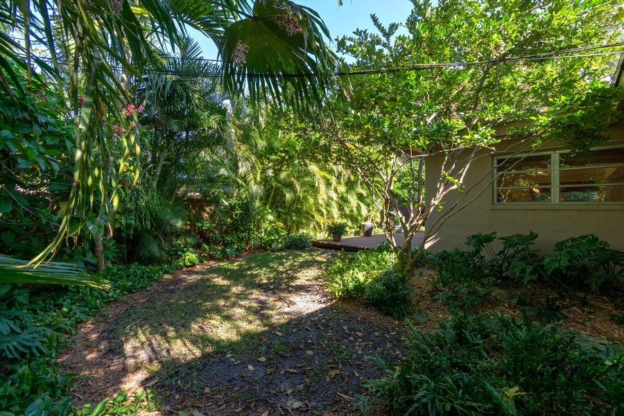Real Estate Photography - 3031 Riverland Rd, Fort Lauderdale, FL, 33312 - Patio