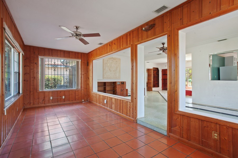 Real Estate Photography - 925 S Shore Dr, Miami Beach, FL, 33141 - Living Room