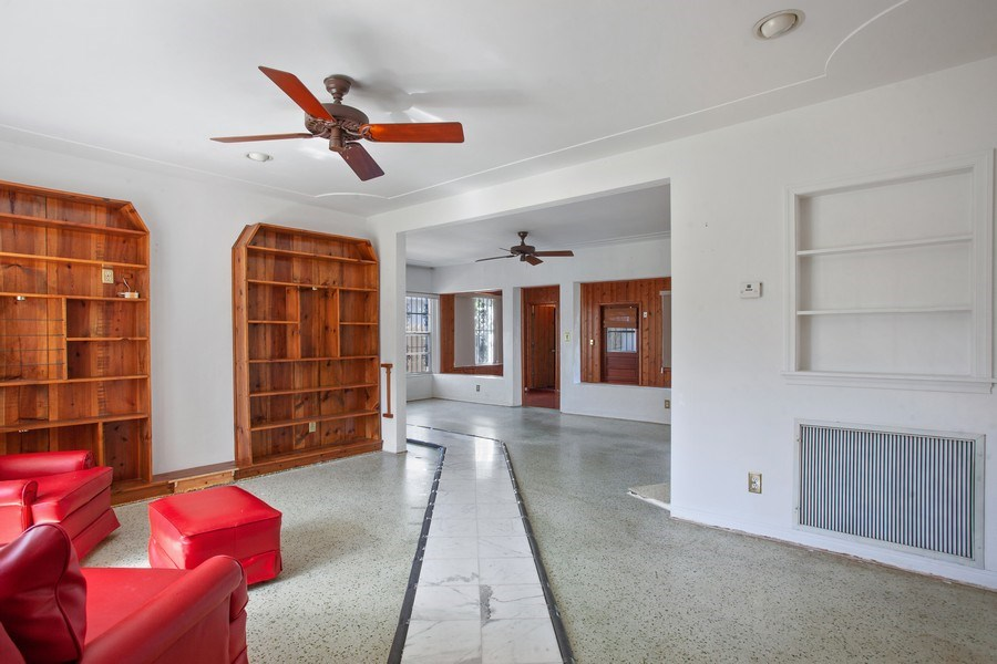 Real Estate Photography - 925 S Shore Dr, Miami Beach, FL, 33141 - Family Room