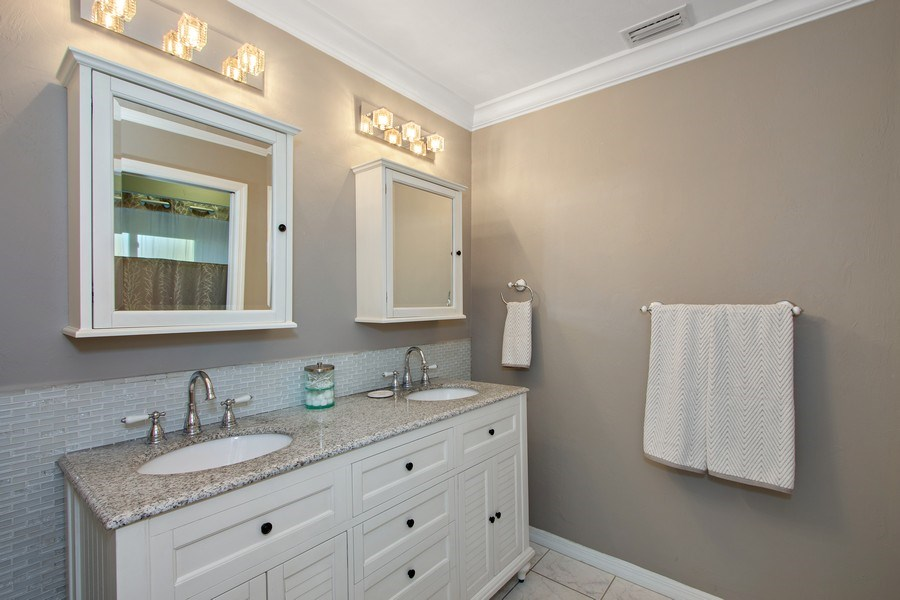 Real Estate Photography - 246 SW 39th St, Cape Coral, FL, 33914 - Master Bathroom
