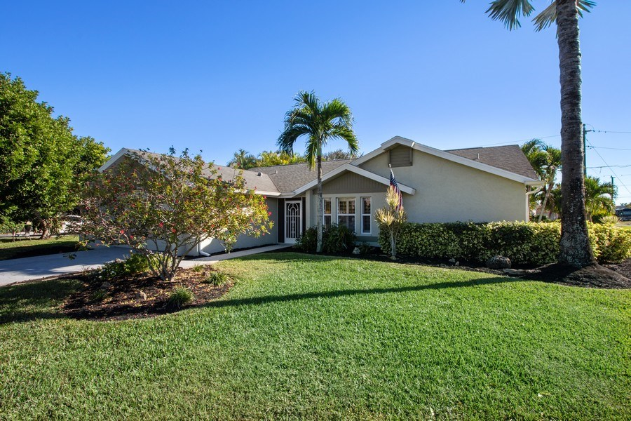 Real Estate Photography - 246 SW 39th St, Cape Coral, FL, 33914 - Front View