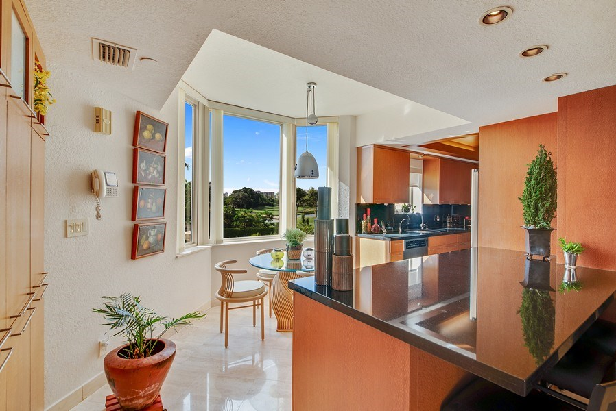Real Estate Photography - 300 SE 5th Ave, Unit 2140, Boca Raton, FL, 33432 - Kitchen / Breakfast Room