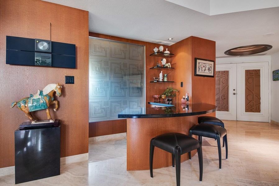 Real Estate Photography - 300 SE 5th Ave, Unit 2140, Boca Raton, FL, 33432 - Bar