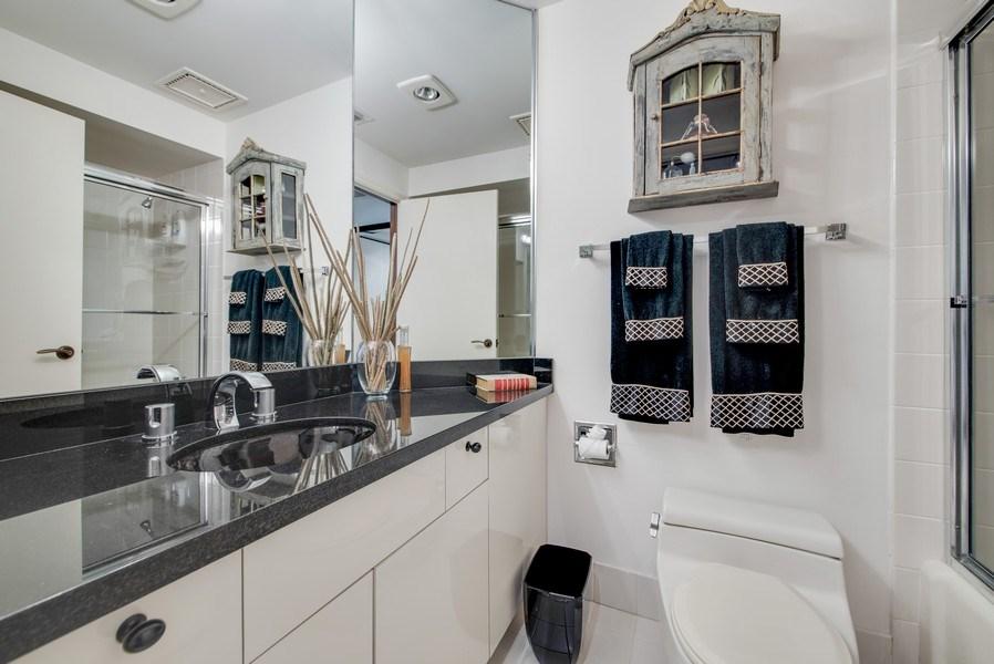 Real Estate Photography - 300 SE 5th Ave, Unit 2140, Boca Raton, FL, 33432 - Bathroom