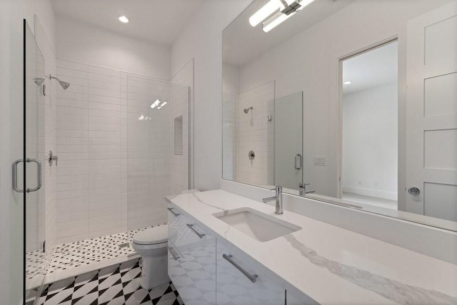 Real Estate Photography - 1560 Bryan Ave, Winter Park, FL, 32789 - Bath 4