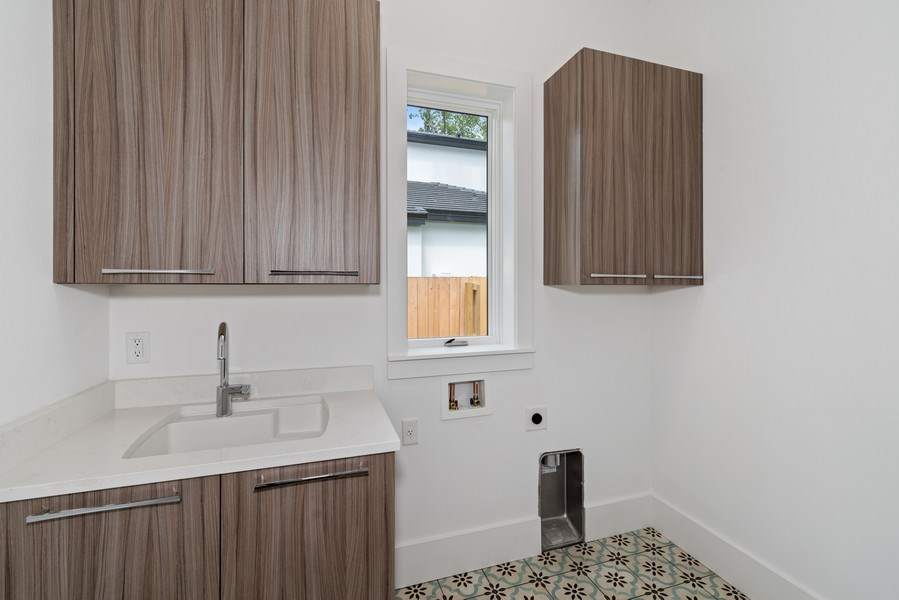 Real Estate Photography - 1560 Bryan Ave, Winter Park, FL, 32789 - Laundry Room