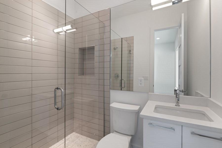 Real Estate Photography - 1560 Bryan Ave, Winter Park, FL, 32789 - Bath 2