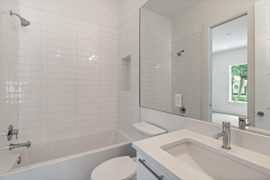 Real Estate Photography - 1560 Bryan Ave, Winter Park, FL, 32789 - Bath 3