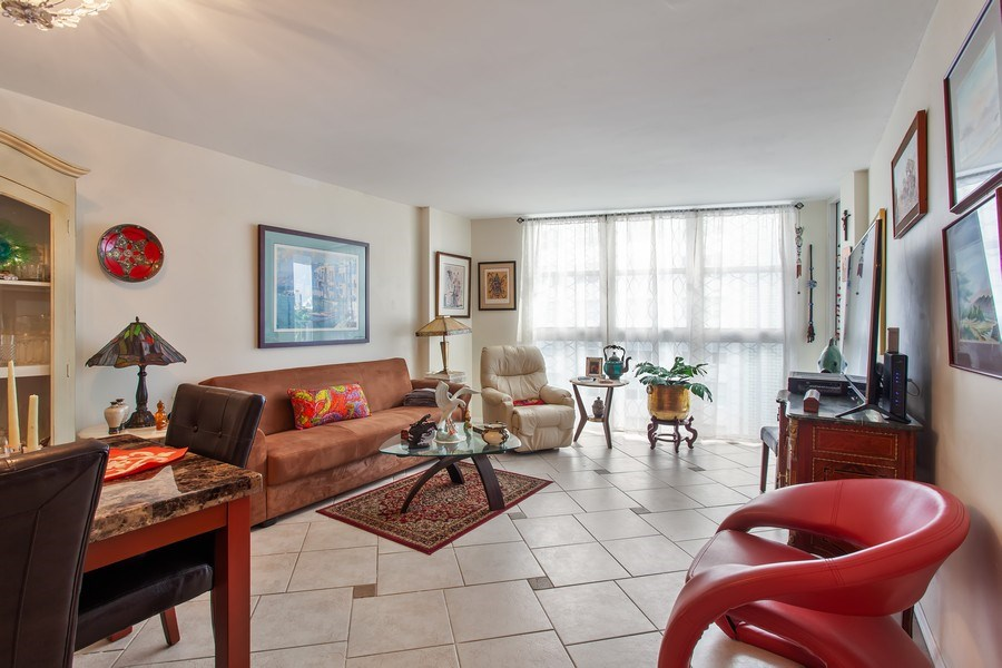 Real Estate Photography - 1228 West Ave, 405, Miami Beach, FL, 33139 - Living Room